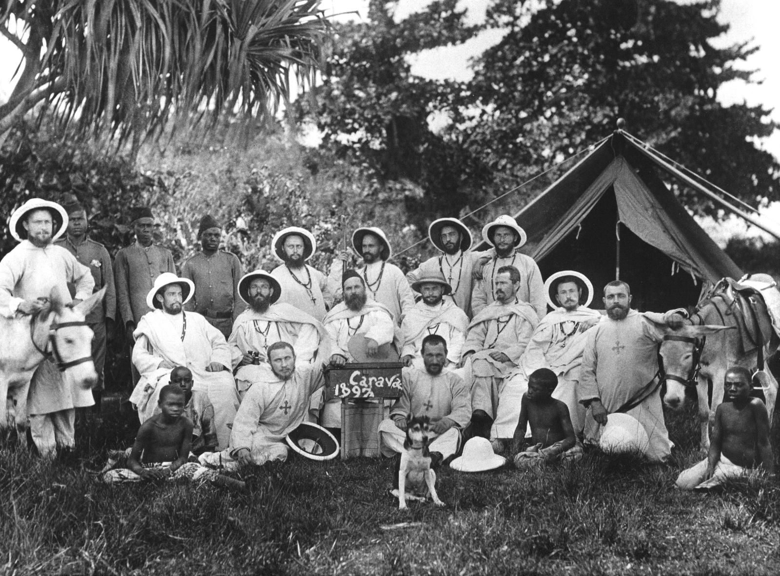 Groepsfoto van de witte paters