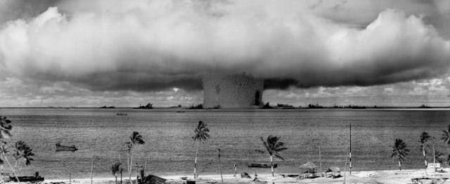 'Help de kernwapens de wereld uit, om te beginnen uit Nederland'